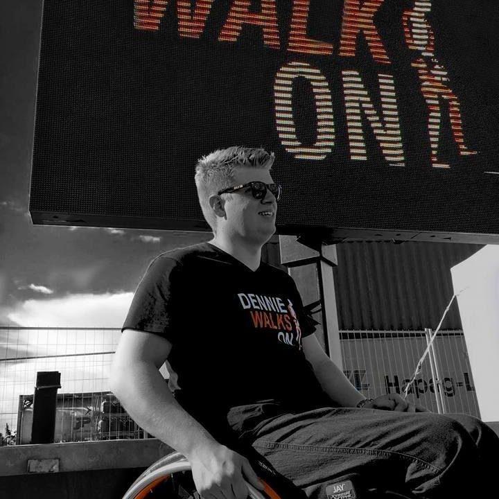 Dennie Jager voor Stichting Walk On